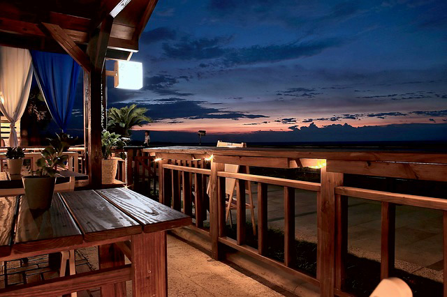 beachside restaurants with amazing views